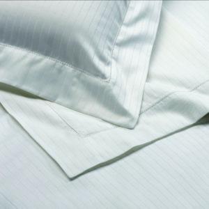 parure de lit sur mesure pour cabine de bateau